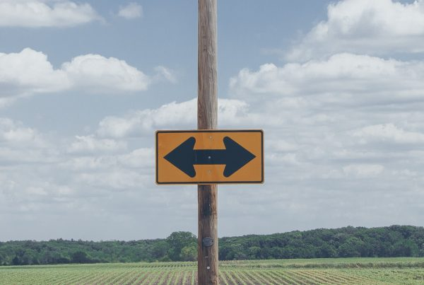 photo of yellow arrow road signage 977603 1